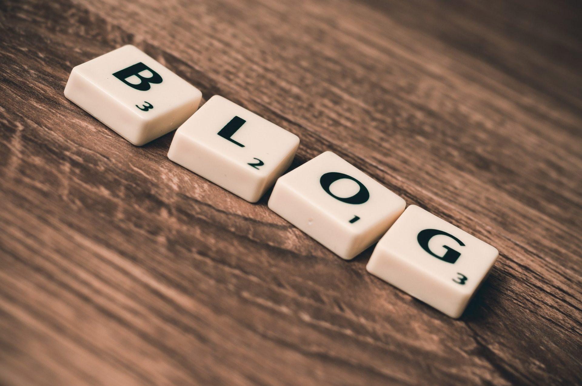 Blogok, hírek és cikkek